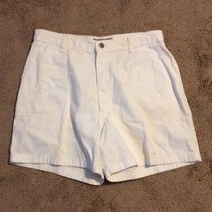Pretty Women's Size 12 Average Wrangler Shorts
